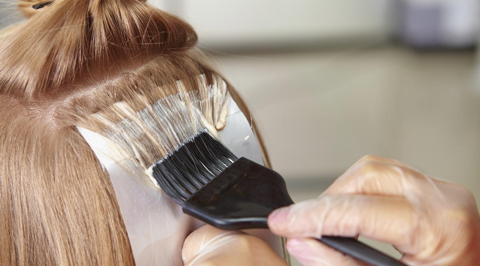 Как и чем правильно осветлить волосы в домашних условиях