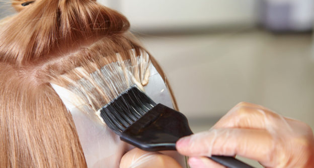 Choosing Best Color for Thinning Hair | Viviscal Healthy Hair Tips