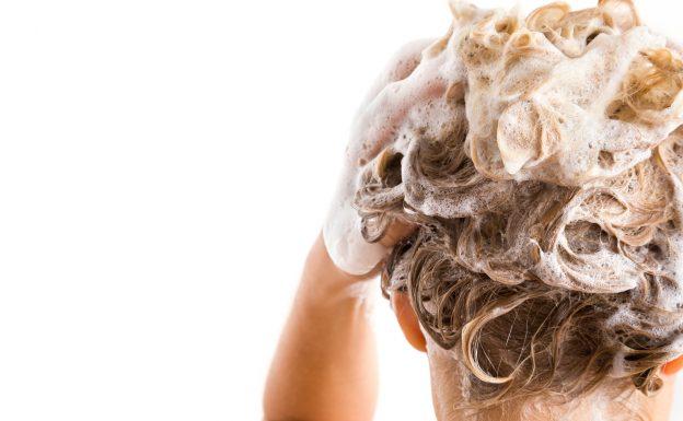 conditioner-woman-washing-hair-ph-level