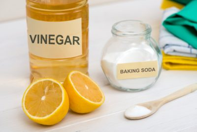 cleaning-ingredients-baking-soda-lemon-vinegar-remedies-avoiding-hair-buildup-viviscal-blog