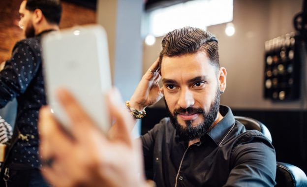 haircut salon barber selfie phone hot 2019 hairstyles for men viviscal hair blog