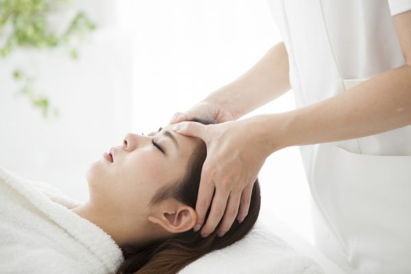 scalp massage asian woman spa does scalp circulation promote hair growth viviscal hair blog