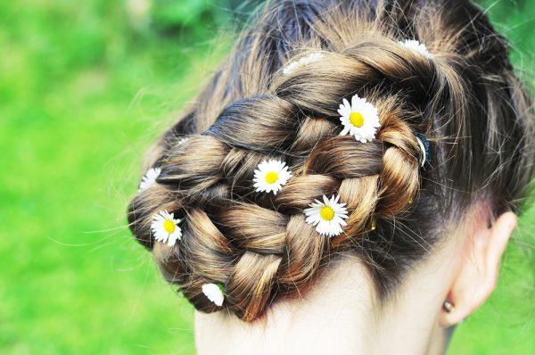 braid blonde hair daisy braid charms hair accessory adding hair accessories to your look viviscal hair blog